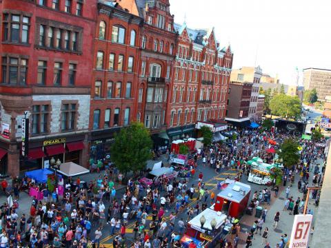 Das Straßenfestival PearlPalooza in Albany, New York